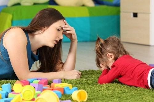 Le syndrome de l'enfant riche peut apparaître si l'enfant est trop gâté.