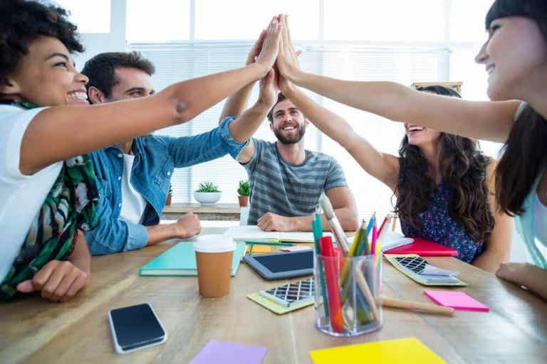 6 activités pour aider votre enfant à travailler en équipe