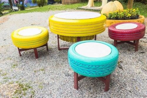 Pouf fabriqué à partir d'un pneu