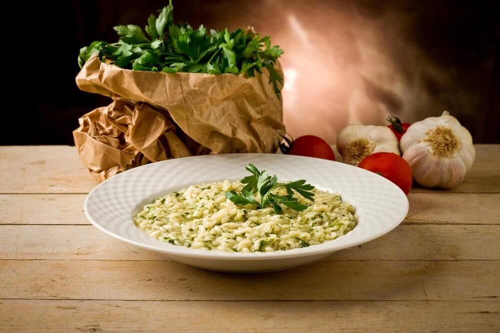 Risotto de quinoa aux champignons, au poulet et aux poireaux