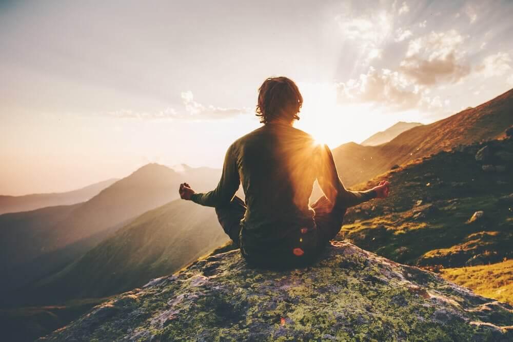 attirez l'énergie positive dans votre vie en vous suprenant