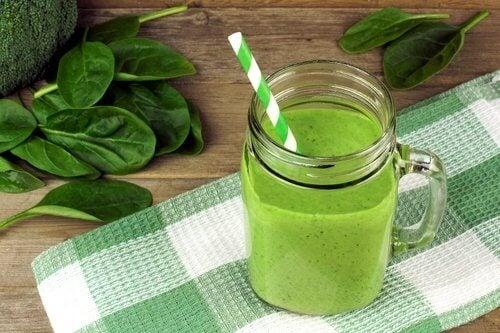 5 smoothies verts que vous devriez inclure dans votre alimentation