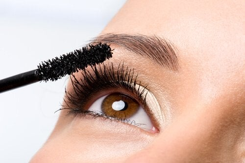 Les secrets de maquillage pour cils