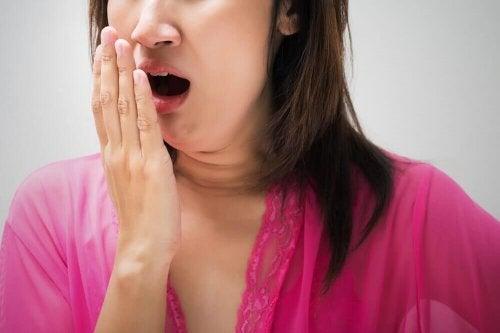 Comment traiter l'halitose efficacement ?