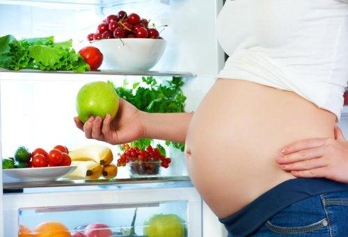 adopter une bonne alimentation pendant les premiers mois de grossesse