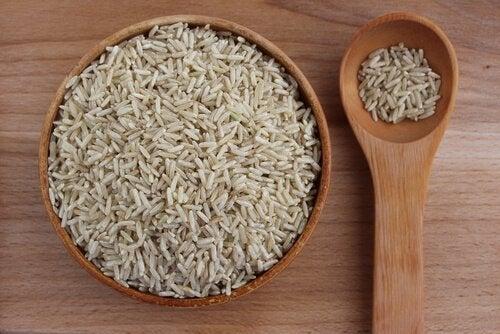 le riz brun pour une alimentation saine et économique