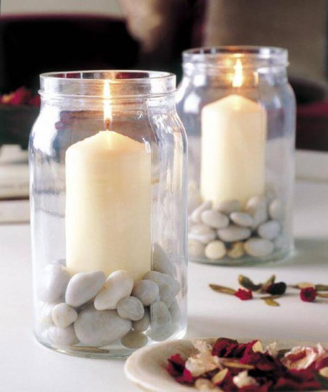 La décoration avec des bougies.