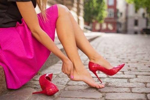5 conseils pour éviter d'avoir mal aux pieds dans vos chaussures neuves