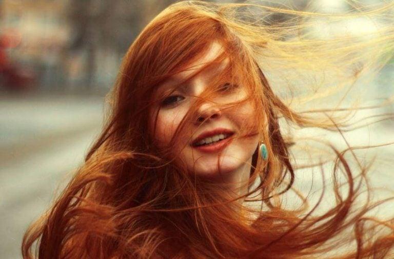 Se teindre les cheveux avec des extraits naturels