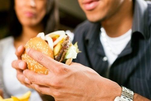 réduire les graisses saturées pour commencer un bon régime
