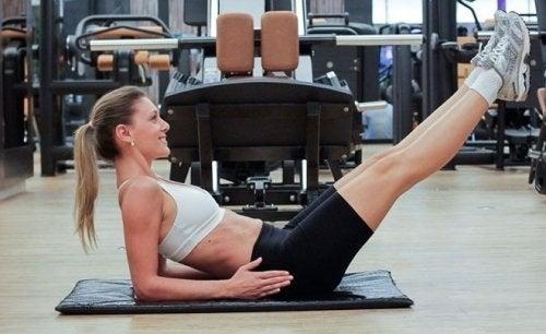 Renforcer les abdominaux grâce aux contractions inverses.