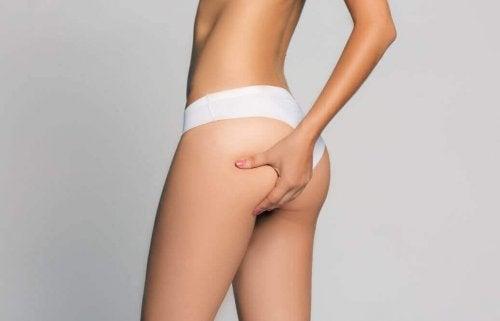 Comment éliminer les graisses dans les zones difficiles du corps de la femme : les fesses, les hanches et les cuisses