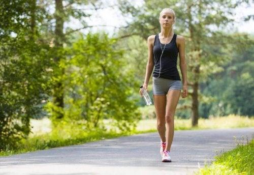 Découvrez quels sont les bienfaits d'une promenade à pied quotidienne