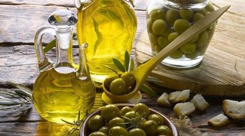 huile d'olive pour hydrater la peau sèche