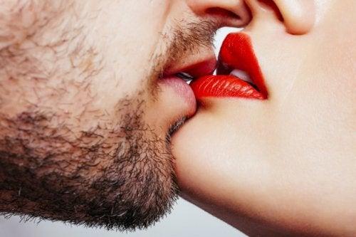 le baiser est bon pour la santé : il améliore la santé bucale