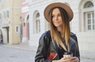 Looks ennuyeux pour aller au bureau chapeau cuir améliore ta santé
