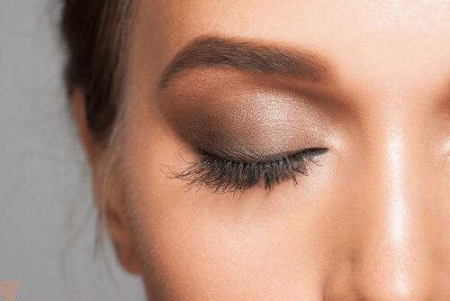 Secrets de maquillage : ombres à paupières
