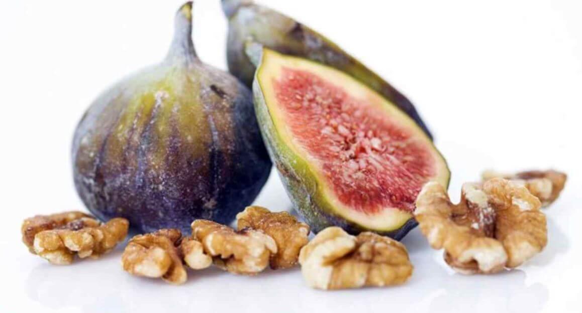 ingrédients pour préparer un pain aux figues