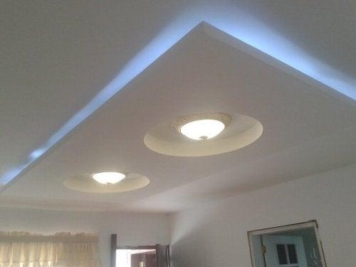 diagonales pour décorer un plafond