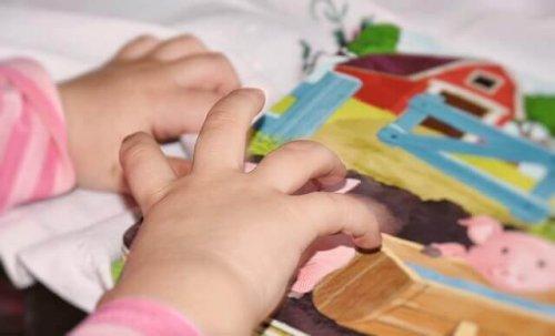 aider les enfants ayant des problèmes de langage avec des cartes sonores