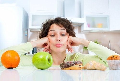 Proscrire des aliments n'est pas la solution pour perdre du poids