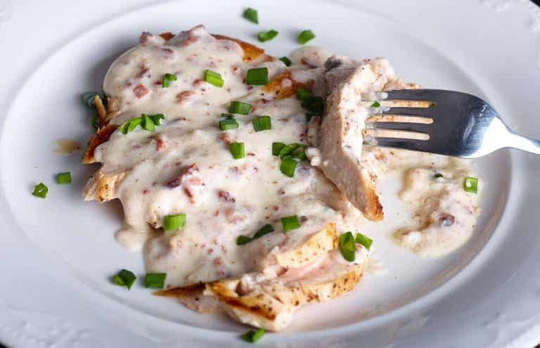 Recette de poitrines de poulet sauce au fromage