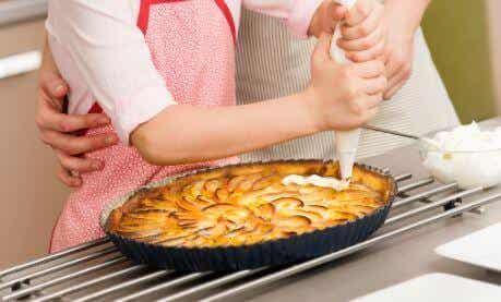 Délicieuse tarte aux pommes à la crème pâtissière