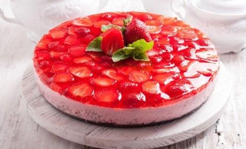 gâteau de gélatine aux fraises