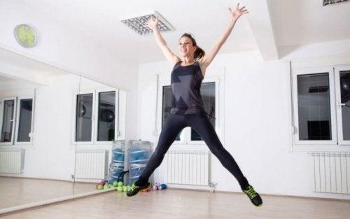 le saut étoile est un exercice cardio