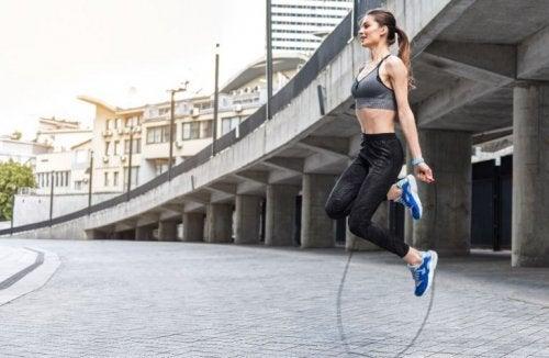 le saut à la corde est un exercice cardio