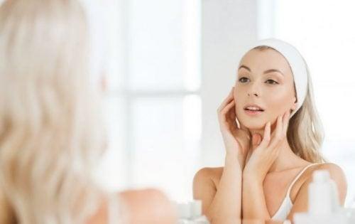 Une routine de base pour les soins de la peau