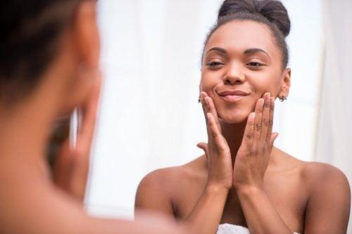routine basique de soins de la peau