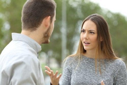 problème de communication pouvant mener à une thérapie de couple