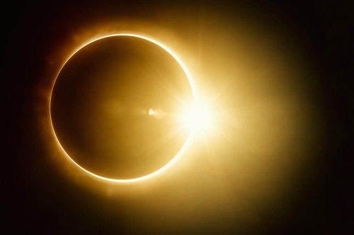 Les effets des éclipses sur la grossesse.