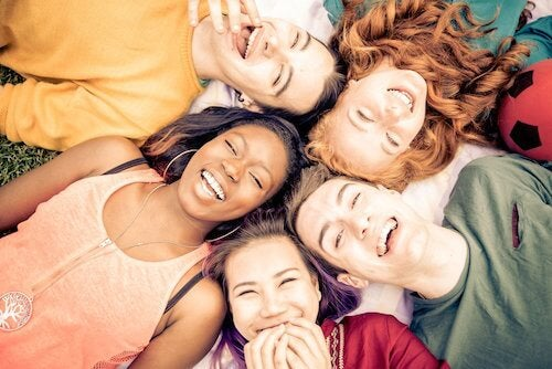 Éduquez les adolescents de manière positive