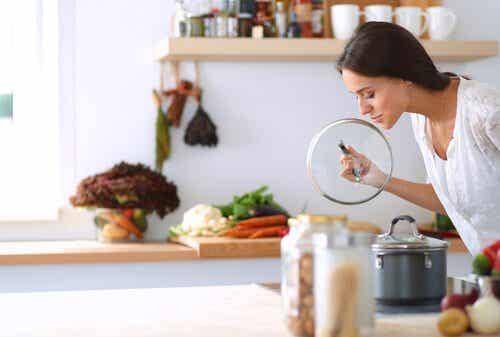 Comment vous débarrasser des mauvaises odeurs des canalisations de votre cuisine