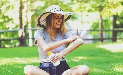 L'importance d'utiliser une crème solaire