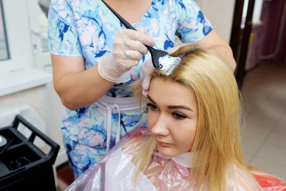 La meilleure façon de décolorer les cheveux sans les abîmer