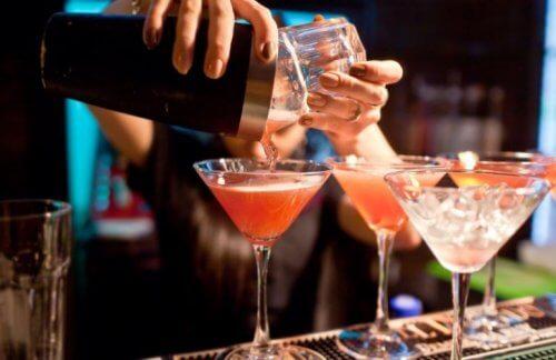 Cinq façons de préparer des cocktails