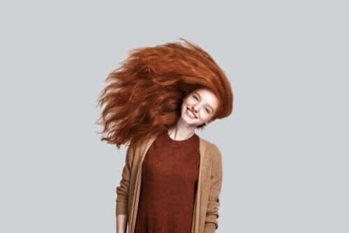 Comment maintenir un ton de cheveux cuivré