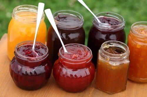 consommer les fruits en confitures