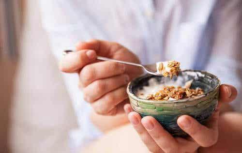4 délicieuses recettes à base de granola
