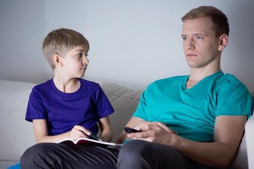 Les parents absents peuvent être immatures