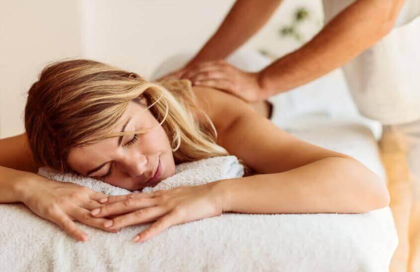 Les massages sont idéaux pour alcaliniser votre corps.