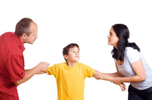 Une mère trop présente peut mener à des parents absents