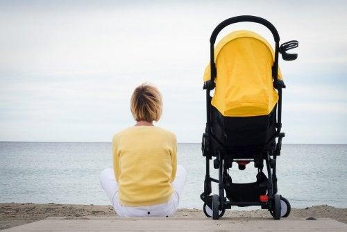 Le modèle de mère idéale encourage le sentiment de solitude