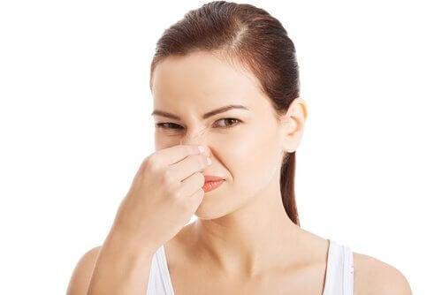 Eliminer les mauvaises odeurs avec 2 ingrédients
