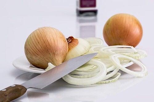 Les bienfaits de l'oignon contre l'urticaire