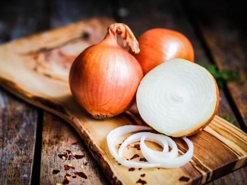 remèdes antibiotiques naturels : infusion d'oignon