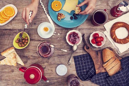 Un bon petit déjeuner est essentiel pour alcaliniser votre corps.